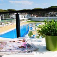 Från balkong mot pool